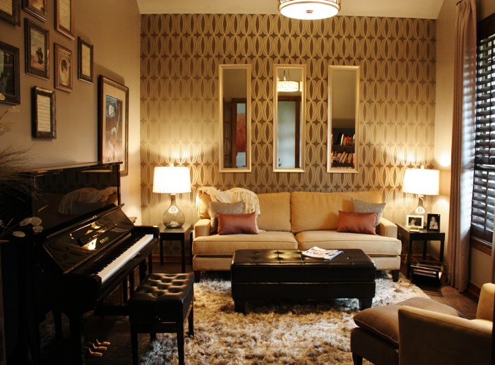 Round rock piano room for Piano room decor